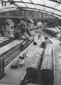 bekonscot model village - railway station 1932
